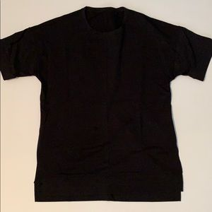 Lululemon cut above tee black